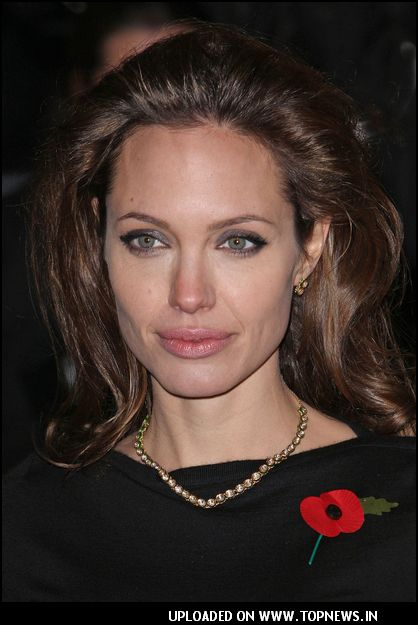 "Angelina Jolie at ""Beowolf"" London Premiere"