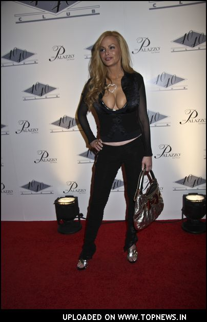 Cindy Margolis at 40/40 Club Grand Opening