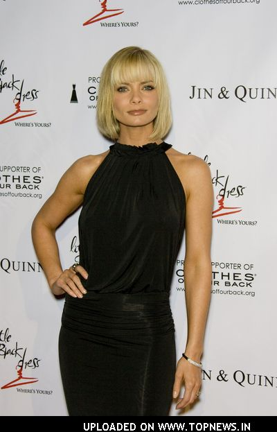 Jaime Pressly at &quot;Wear Black and Give Back&quot; Pre-Oscar Party