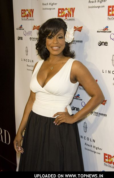 Niecy Nash at Ebony Pre-Oscar Celebration