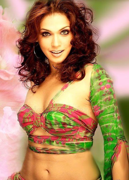 isha koppikar daughter