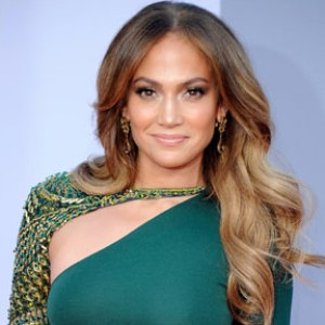 Jennifer Lopez launches shopping tool for Latinos