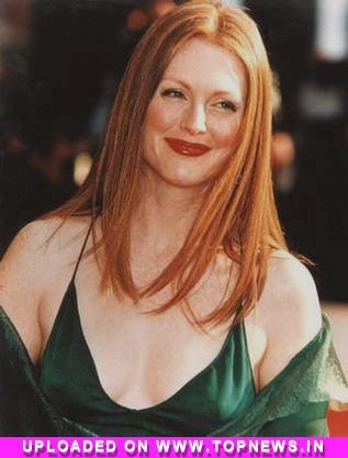 Julianne Moore Quit Smoking photo
