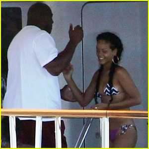 RiRi and pals entertain Magic Johnson on board her luxury yacht