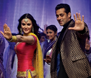 Salman rocks in 'Kudiye di kurti' with Preity