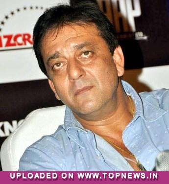 Sanjay Dutt adopts father's 'Mujhe Jeene Do' look for 'SOS'