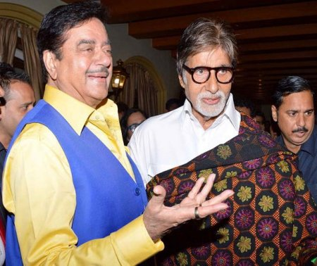 Big B wishes Shatrughan Sinha on 71st birthday