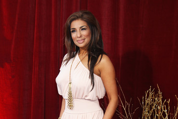 Coronation Street''s Shobna Gulati poses as 'topless Katy Perry'