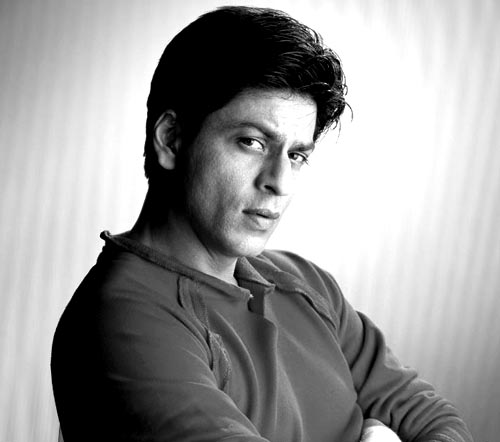 Hats off to Big B, says SRK