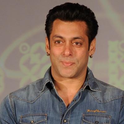 Here`s how Salman Khan fulfilled Dubai fans' wish