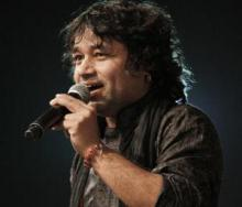 Kailash Kher regales audience in San Jose before PM Modi`s address