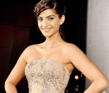 Sonam dishes about fan moment with Waheeda Rehman