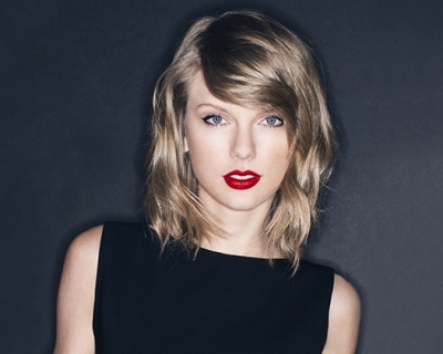 Taylor Swift shares video of 1989 world tour concert film