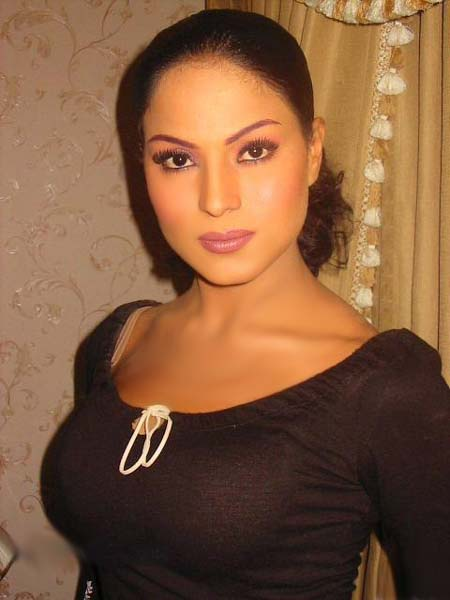 Veena Malik not to seek asylum in India over Taliban threat