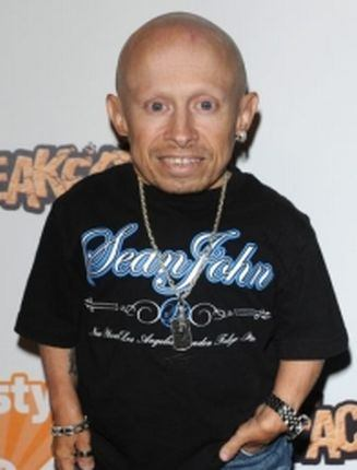 verne troyer harry potterverne troyer height, verne troyer football, verne troyer youtube, verne troyer party, verne troyer genevieve gallen, verne troyer harry potter, verne troyer 2016, verne troyer, verne troyer net worth, verne troyer dead, verne troyer turkey, verne troyer wiki, verne troyer twitter, verne troyer and ranae shrider tape, verne troyer wife swap, verne troyer hotline bling, verne troyer death, verne troyer net worth 2015