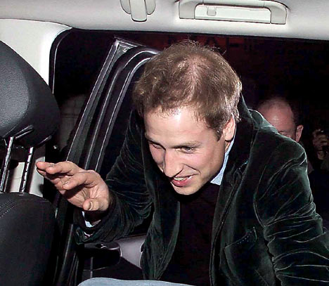 Prince William spotted driving to work like millions of regular hubbies