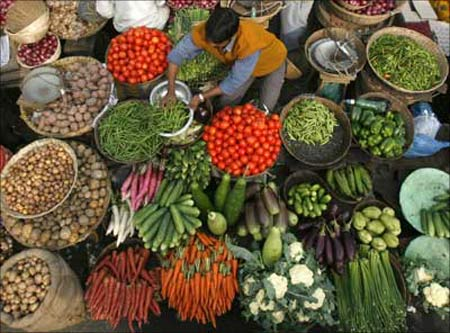India's Food Inflation Declines To 16.61%