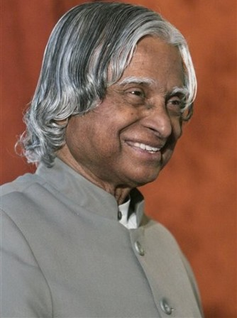 Kalam urges Indians to read books to facilitate ''knowledge revolution'