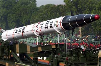 http://www.topnews.in/files/Agni-II-missile301.jpg