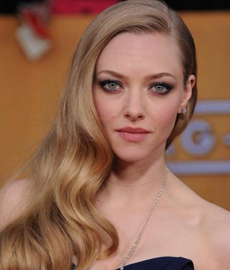 Amanda-Seyfried-smokey-eyes