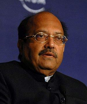 Central, state governments protecting Amar Singh: complainant