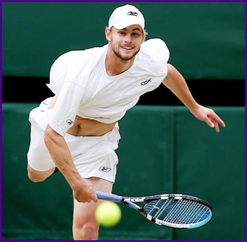 Roddick runs down depleted Djokovic for semi-final spot