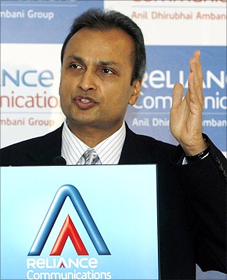 Reliance Com's unit planning to get listed in Singapore