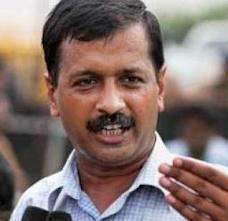 Kejriwal accuses Delhi Police of breaking up his protest
