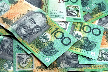 Australian dollar falls to 101.25 US cents