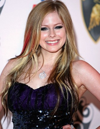 Avril Lavigne New. Avril Lavigne dismisses new