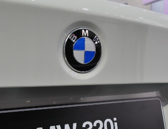 BMW recalls 570,000 cars in US, Canada to fix engine stalling problem