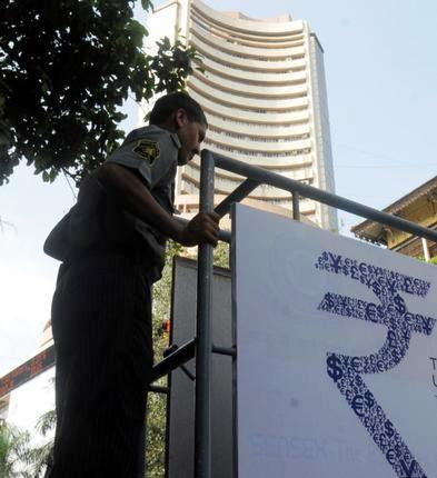 Indian Stock Market Recovers: Currency Still Down