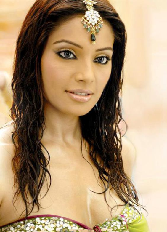 Bipasha Basu - Picture Actress