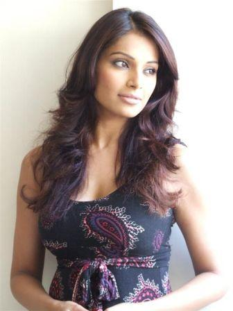 http://topnews.in/files/Bipasha-Basu_12.jpg
