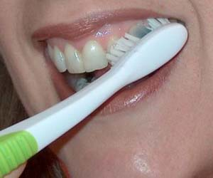 reminder patients. brush your teeth properly. jpg.
