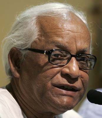 Left parties don''t consider Congress as untouchable : Buddhadeb
