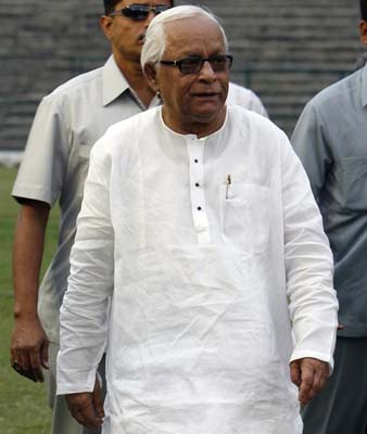 Left to join govt. if it plays meaningful role: Buddhadeb