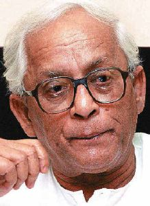 Buddhadeb Bhattacharjee escapes unhurt in accident