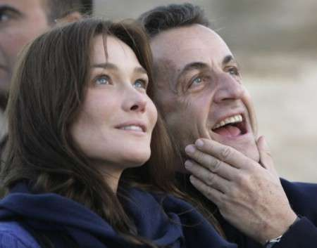 Carla Bruni-Sarkozy urges G8 to fight disease in poor nations