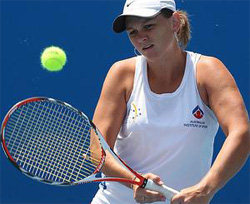 Dellacqua advances as Molik eliminated from wildcard chase