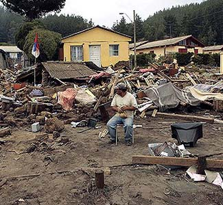 Death toll in Chile quake rise to 795, may rise further