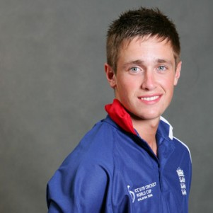 Its an honour to open bowling for England: Woakes