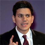 "Miliband tells Sharif, UK doesn't want ""democracy derailed in Pakistan"""