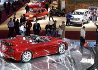 Subdued Detroit auto show reflects economic realities