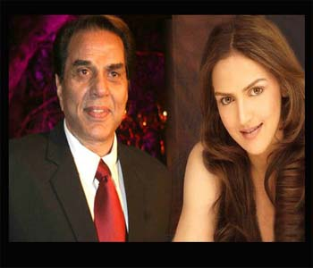 Dharmendra, Esha Together In 'Tell Me Oh Khuda'