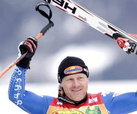 Cuche wins giant slalom title; Raich closes in on Svindal