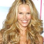 Recession-hit Elle Macpherson's only extravagance is art!
