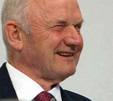 Porsche says Piech agrees to outside rescue for sports-car maker