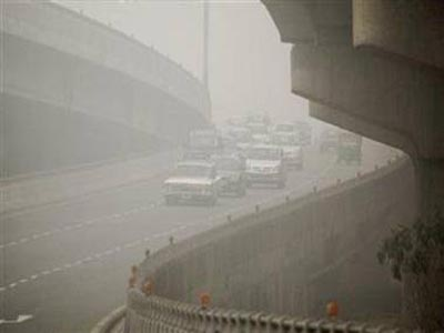 Foggy, chilly Monday morning in Delhi