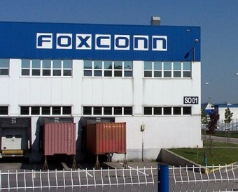 Foxconn admits to hiring underage interns at its China factories